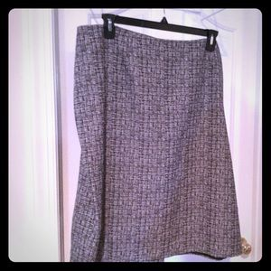 Black and white grid patterned lined skirt